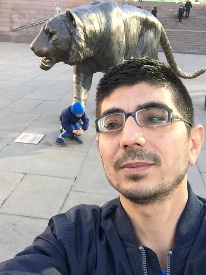 Bilder av Aziz85 fra