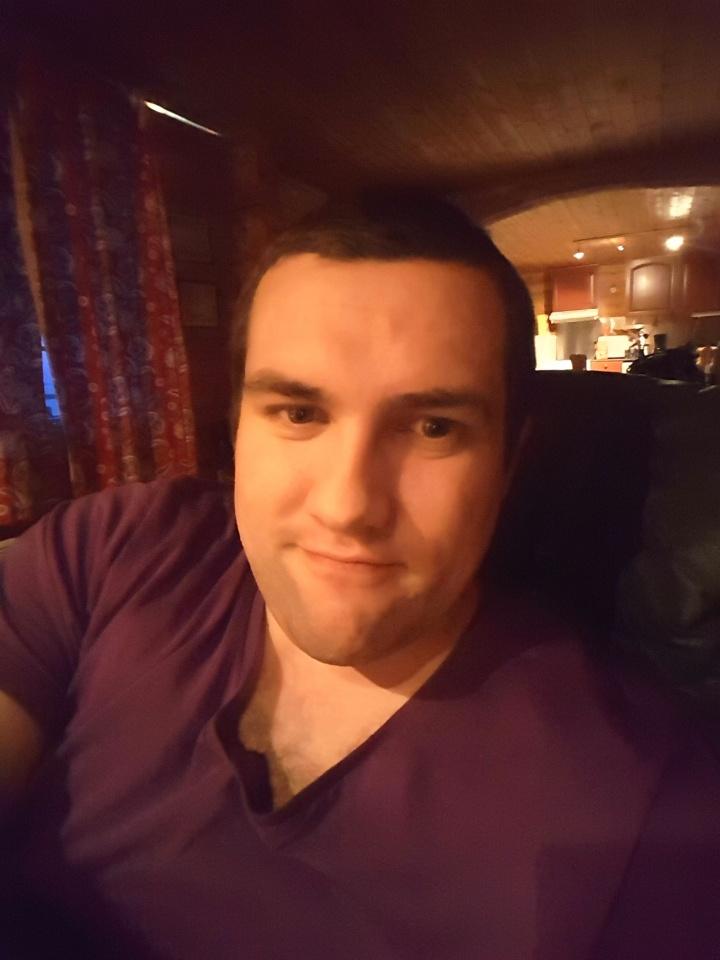 Bilder av Ronnyj90 fra